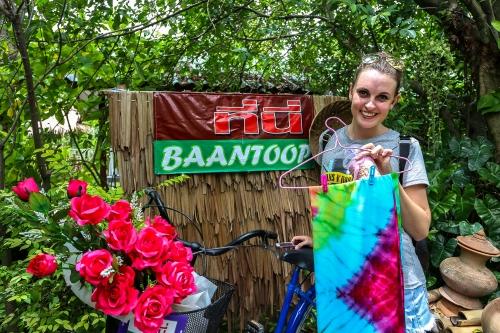 floating market, bang kra chao, bang ka chao, bang kra jao, bang ka jao, samut songkran, floating market, tie dyed cloth, crafting, diy